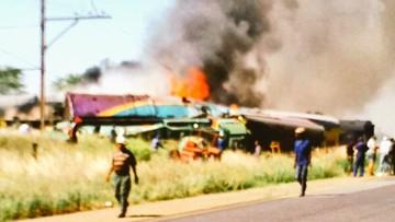 Katastrofa kolejowa w RPA. Ciężarówka wjechała pod pociąg