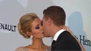 Paris Hilton zaręczona - narzeczony ma polskie korzenie