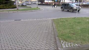 Zwalniają komendanta miejskiego policji we Wrocławiu. Znaleźli go bez butów, leżał pijany