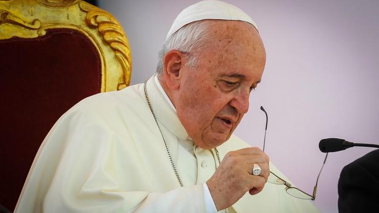 Papież apeluje o zwalczanie cyberprzemocy