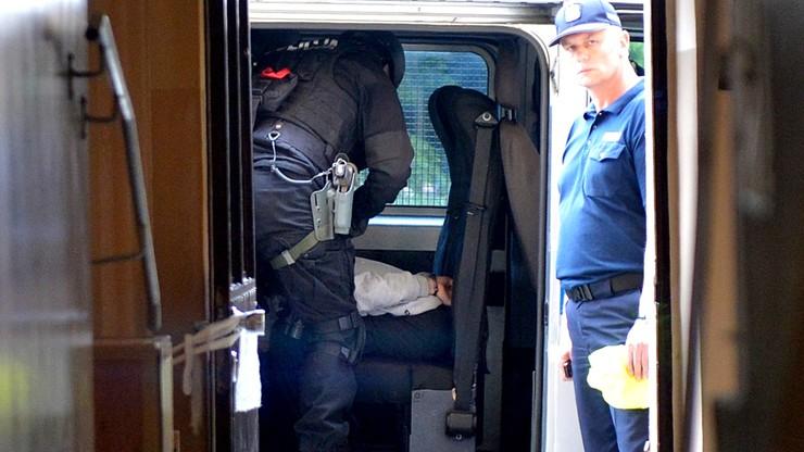 Mężczyzna zabarykadował się w mieszkaniu. Zatrzymali go antyterroryści
