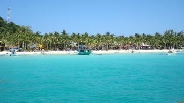 """Filipiny zamykają dla turystów """"raj na ziemi"""". Prezydent: wyspa zamienia się w szambo"""