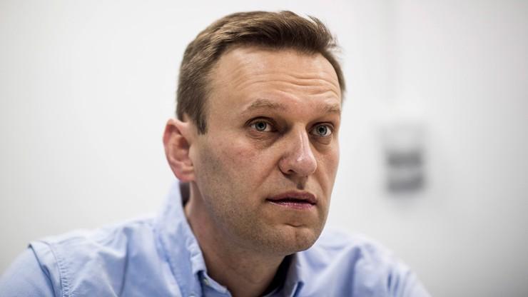 """Nawalny wybudzony ze śpiączki. """"Reaguje, gdy się do niego mówi"""""""