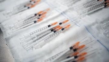 Dostawa szczepionek. Do Polski trafi ponad 600 tys. dawek od dwóch firm