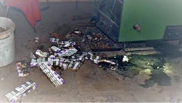 Pograniczników poszczuli psem, a papierosy z przemytu próbowali spalić w piecu