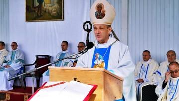Pindel zakażony koronawirusem. Kolejny biskup z covidem