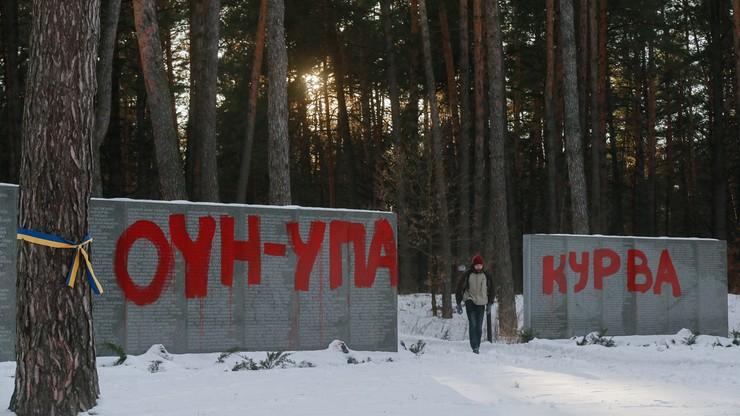 Usuwane są zniszczenia na polskim cmentarzu w Bykowni