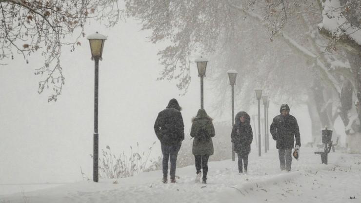 Ostrzeżenie przed śnieżycami i oblodzeniem. Prognoza na czwartek, 3 grudnia