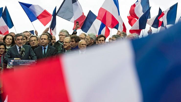"""Obóz Sarkozy'ego wzywa Fillona, by ustąpił i wyznaczył """"następcę"""""""