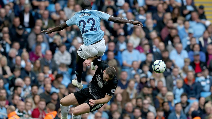 Piłkarz Manchesteru City pomylony z... kibicem. Stewardzi chcieli zatrzymać Mendy'ego