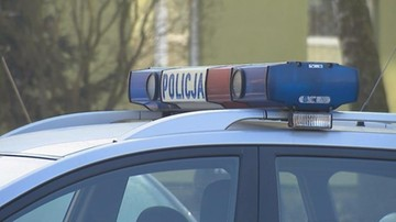 53-latek pchnięty nożem. Policja zatrzymała jego żonę