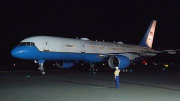 Samolot z wiceprezydentem USA zawrócił na lotnisko. Zderzył się z ptakiem