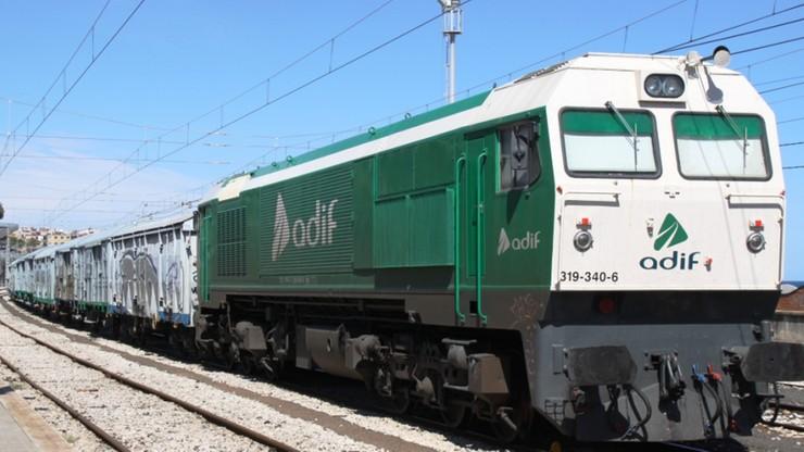 Wykolejenie pociągu z Madrytu rezultatem sabotażu. Ktoś umieścił metrową szynę wewnątrz zwrotnicy