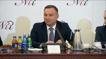 Prezydent proponuje 15 pytań w referendum ws. konstytucji. M.in. o zagwarantowanie członkostwa w UE