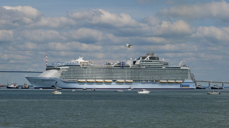 Największy statek pasażerski na świecie odbył pierwszą podróż