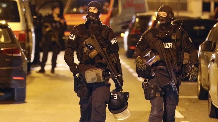 Pięciu zakonników rannych po napadzie na kościół w Wiedniu. Trwa obława na sprawców