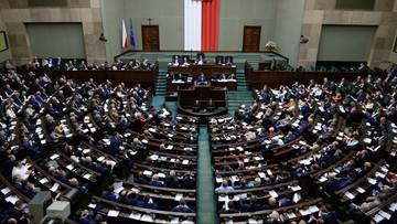Sondaż TNS: PiS zdecydowanym liderem, tracą PO i Nowoczesna