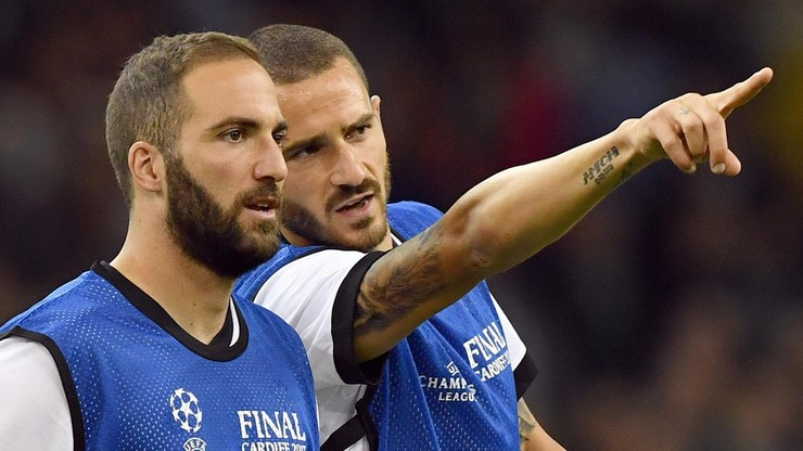 Higuain i Caldara w AC Milan. Bonucci wrócił do Juventusu Turyn