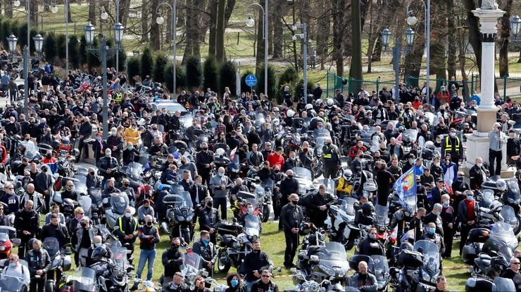 Jasna Góra. Zlot 10 tys. motocyklistów podczas epidemii. Nie wszyscy pamiętali o restrykcjach
