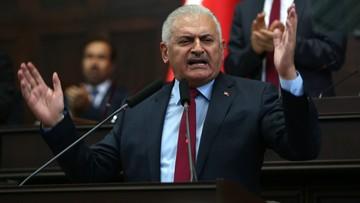 Premier Turcji obiecuje przestrzegać prawa przy oskarżaniu spiskowców