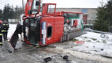 Wypadek wozu strażackiego. Cztery osoby w szpitalu