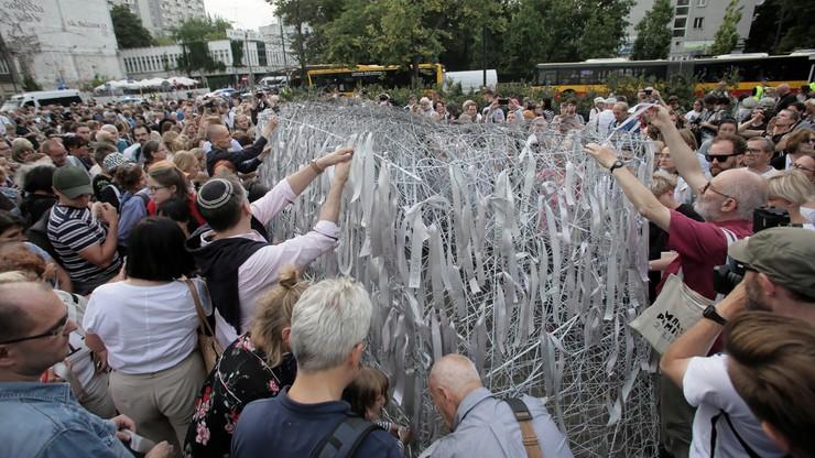 """""""Na oczach świata gasła jedna z najładniejszych żydowskich metropolii"""". Marsz Pamięci w Warszawie"""