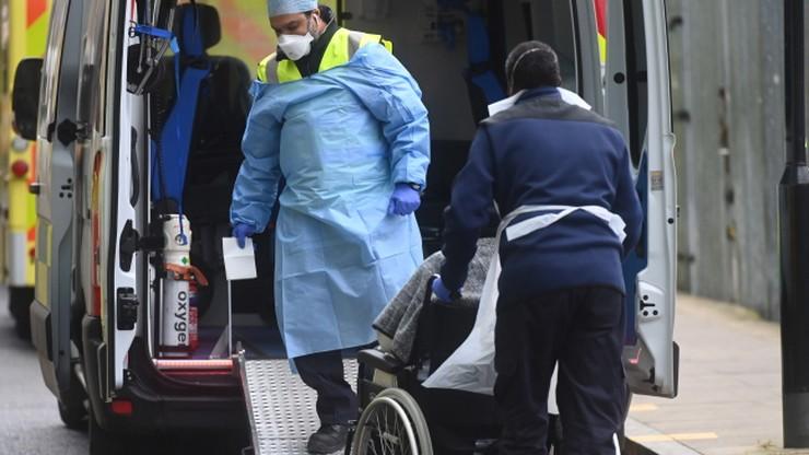 Spędził w szpitalu 306 dni. 74-latek chory na Covid-19 wrócił do domu