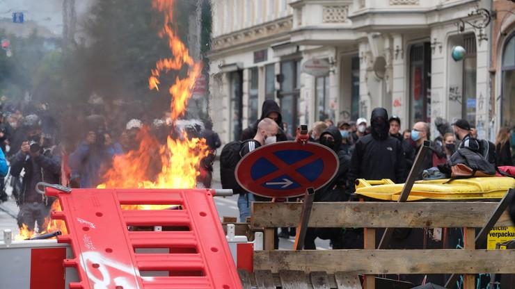 Niemcy. Demonstracja w obronie lewicowej ekstremistki. Zapłonęły barykady