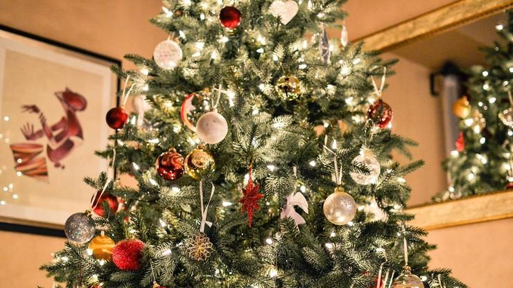 Apel premiera: w Święta pozostańcie w domu