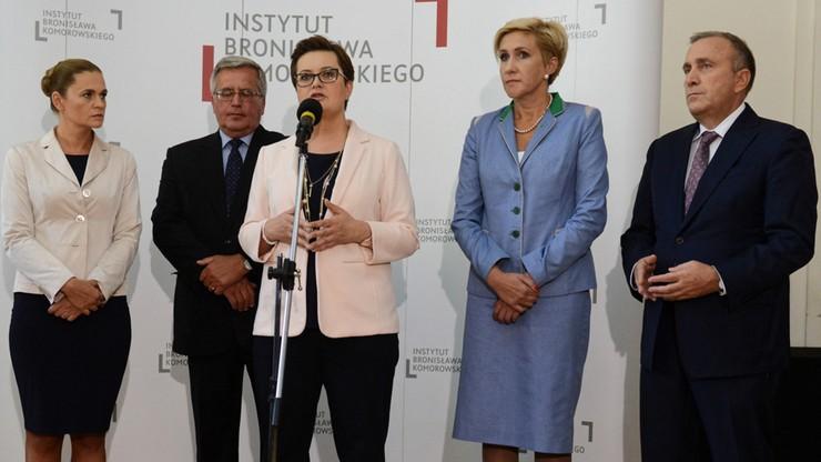 """Opozycja chce utrzymać 500 plus. PO, Nowoczesna i PSL podpisały """"deklarację demograficzną"""""""