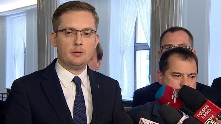 """""""Przypadki polskich narodowców"""". Hasła NSDAP i motto Hitlerjugend"""
