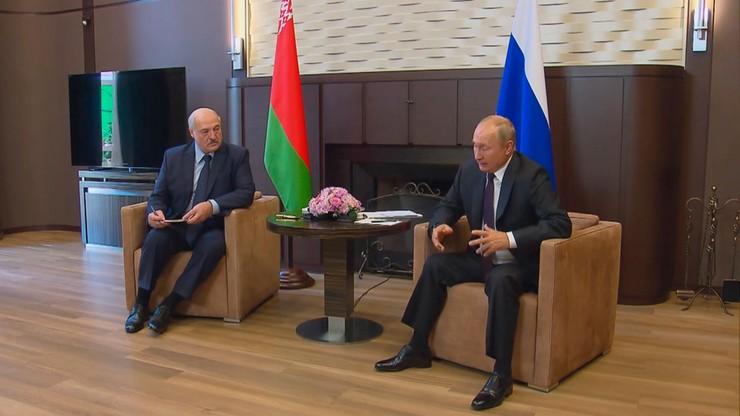 Wladimir Putin i Aleksandr Łukaszenka złożyli sobie życzenia z okazji Dnia Zwycięstwa nad Niemcami