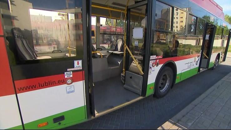 Podróż transportem publicznym. Od dziś nowe zasady
