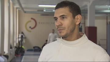 Wenezuelski olimpijczyk przesiadł się na rower i karmi Polaków