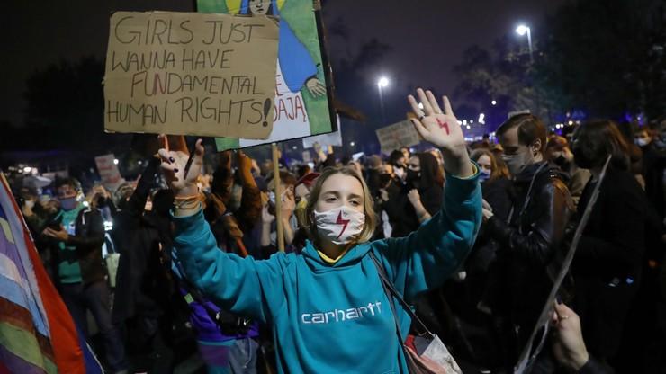 Protest w Warszawie ws. aborcji. Ile mandatów wystawiono?