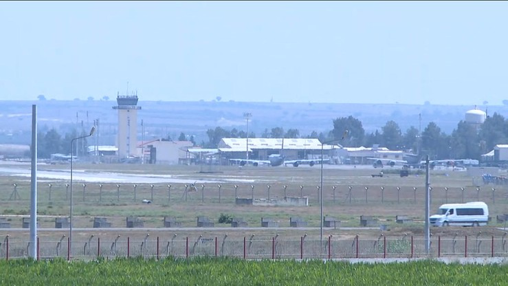 Turcy odcięli od świata bazę lotniczą, z której Amerykanie bombardują Państwo Islamskie