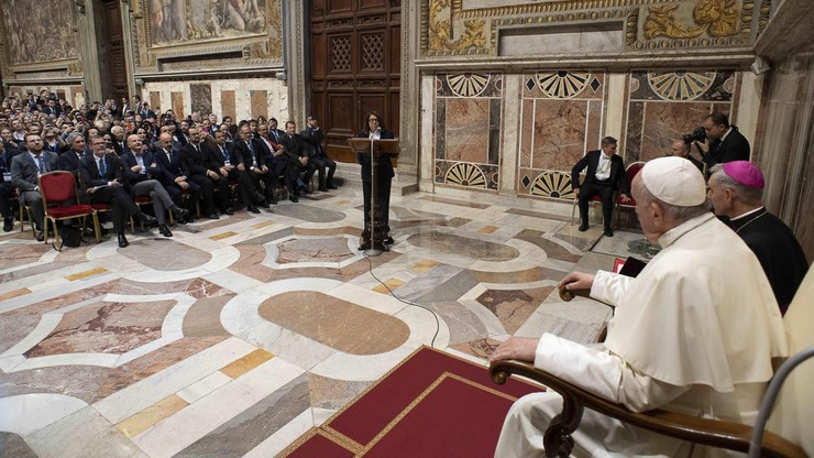 Papież: niektóre wystąpienia polityków przypominają to, co mówił Hitler