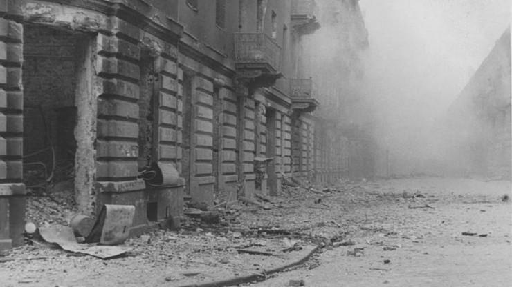 """Rosjanie odtajnili raport marszałka Żukowa z 1945 roku. """"Miasto jest martwe"""""""