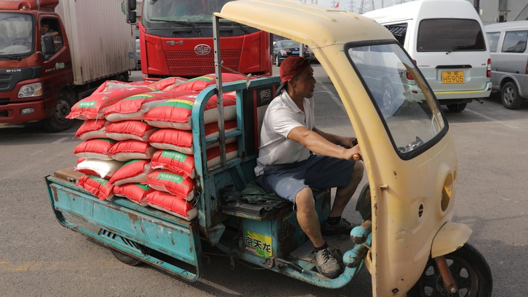 Import aut w Chinach wzrósł o połowę po obniżeniu ceł