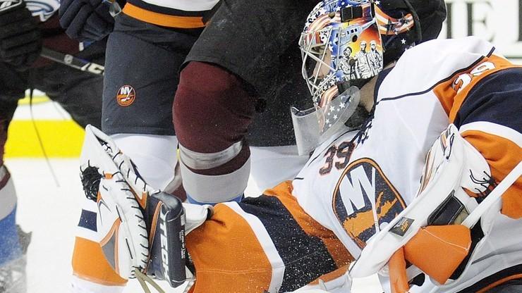 NHL: Carolina Hurricanes i New York Islanders złapali wiatr w żagle