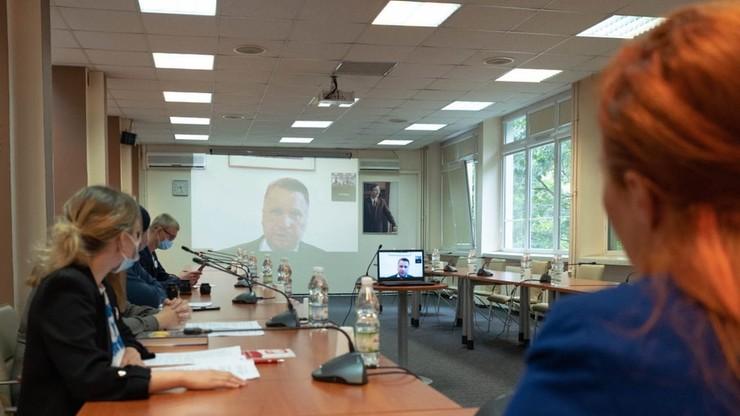 """Przemysław Czarnek spotkał się z młodzieżowym forum LGBT+. """"Z jego retoryki czuć uprzedzenie"""""""