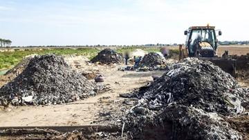 Śmieci mogą być zakopane na kilku hektarach w Osowej Sieni. Sprawę bada prokuratura
