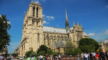 Porzucone auto przed katedrą Notre Dame: główna podejrzana zadeklarowała wierność IS