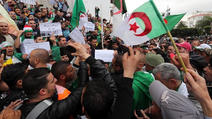 Kolejne masowe demonstracje antyrządowe w Algierii