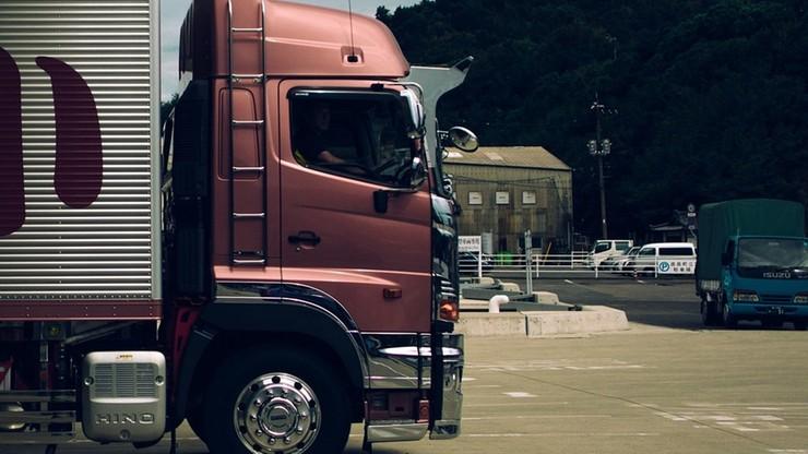 Migranci udusili się w zamkniętej ciężarówce. Handlarze ludźmi skazani na dożywocie