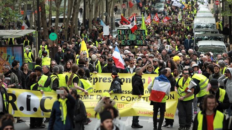 """Ok. 5,5 tys. osób na demonstracjach """"żółtych kamizelek"""" we Francji"""