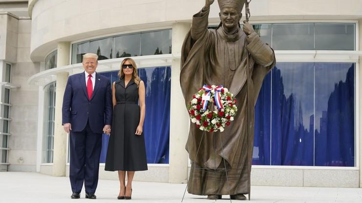 Trump złożył wieniec pod pomnikiem św. Jana Pawła II w Waszyngtonie