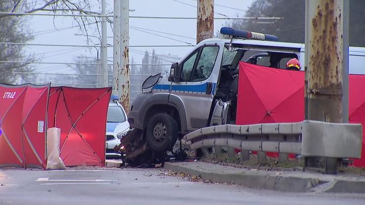 Wypadek radiowozu w Gdyni. Policjant trafił do szpitala