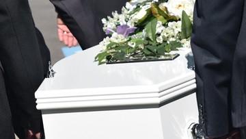 Pogrzeb po 66 latach. Wcześniej pochówku dziewczynki odmówił ksiądz