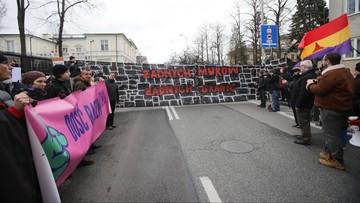 """Ulicami Warszawy przeszedł marsz """"Dość rasizmu i faszyzmu"""""""